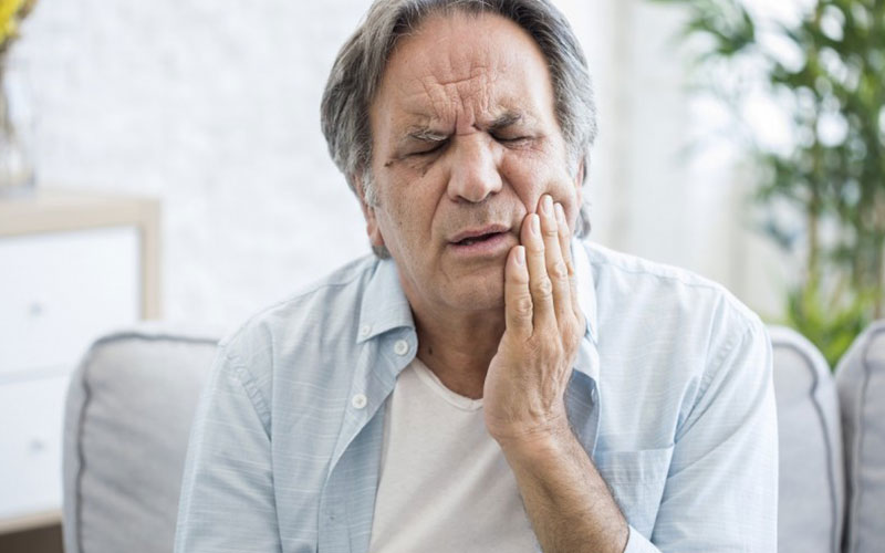 Aesthetic Dental and Denture Clinic- How to Tell If Your Dentures Do Not Fit